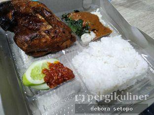 Foto - Makanan di Ayam Kremes Bu Tjondro oleh Debora Setopo