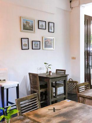 Foto 14 - Interior di PLUIE Cafe & Resto oleh yudistira ishak abrar