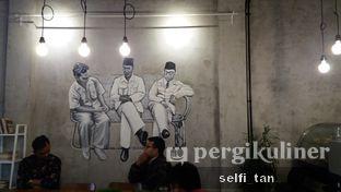 Foto 6 - Interior di Diskusi Kopi dan Ruang Berbagi oleh Selfi Tan