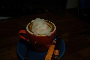 Foto 1 - Makanan(HOT CATpuccino ) di Mokka Coffee Cabana oleh Andy Khohara