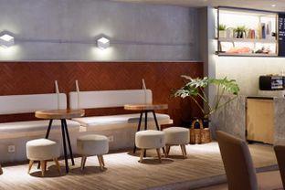 Foto 13 - Interior di Hiveworks Co-Work & Cafe oleh yudistira ishak abrar