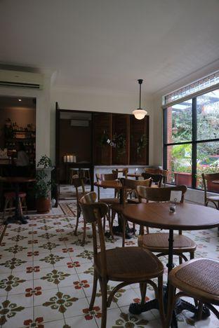 Foto 10 - Interior di Chicory European Patisserie oleh yeli nurlena