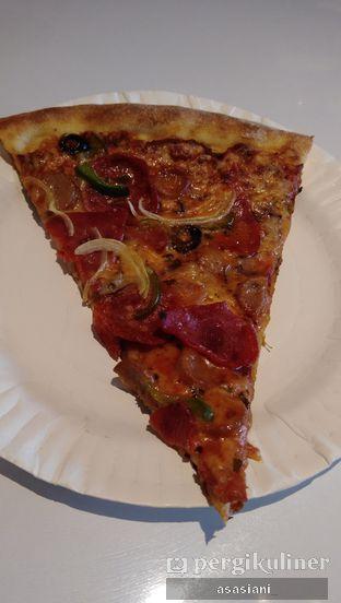 Foto 1 - Makanan(Williamsburg pizza) di Park Slope Pizzeria oleh Asasiani Senny