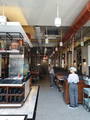 Foto 3 - Interior di Flaming Mr Pig oleh Ken @bigtummy_culinary