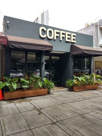 Foto Eksterior di Lock On Coffee