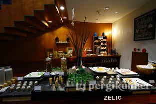 Foto 6 - Interior di Cafe One - Wyndham Casablanca Jakarta oleh @teddyzelig