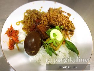 Foto 1 - Makanan di Depot Nasi Campur Pojok Tambak Bayan oleh Fransiscus