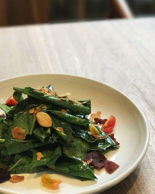 Foto 2 - Makanan(Arasseo's house salad) di Arasseo oleh Claudia @claudisfoodjournal
