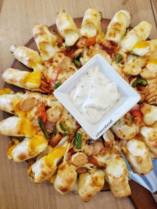 Foto 1 - Makanan(Super Supreme Chicken) di Pizza Hut oleh Yuli || IG: @franzeskayuli