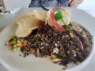Foto 3 - Makanan(Nasi goreng rawon) di Twin House oleh Komentator Isenk