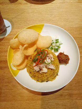 Foto 7 - Makanan(nasi goreng) di Wok 'N' Tok - Yello Hotel Jemursari Surabaya oleh Ratu Aghnia