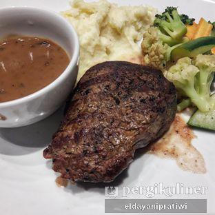 Foto 4 - Makanan di Plumeria Lounge - Hotel Grand Mercure Kemayoran oleh eldayani pratiwi