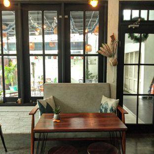 Foto 26 - Interior di Jonbon's Coffee & Eatery oleh duocicip