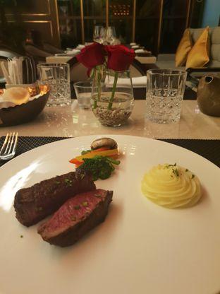 Foto 3 - Makanan(Tenderloin) di Basic Instinct Culinary oleh Vising Lie