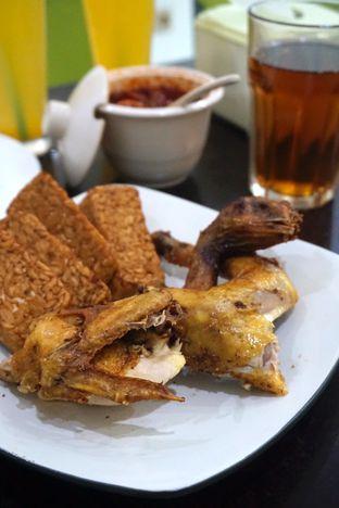 Foto 5 - Makanan di Ayam Goreng Berkah oleh Prido ZH