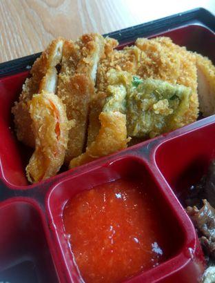 Foto 2 - Makanan(Beef Original Bento (IDR 36k) ) di Gokana oleh Renodaneswara @caesarinodswr