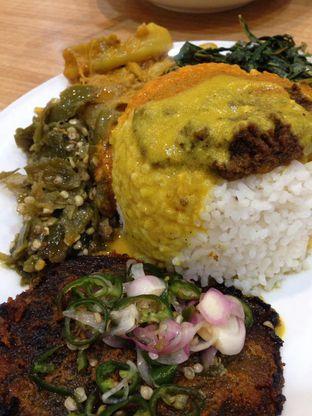 Foto 2 - Makanan(Nasi Batokok) di Restoran Simpang Raya oleh awakmutukangmakan