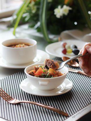 Foto 7 - Makanan di Voyage Restaurant - Harris Vertu Hotel oleh Ken @bigtummy_culinary