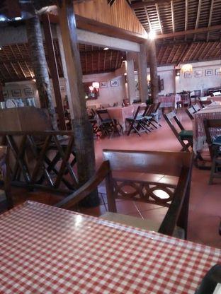 Foto 8 - Interior di Tizi's Cakeshop & Resto oleh Trias Yuliana