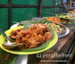 Foto 1 - Makanan di Nasi Uduk Ibu Jum oleh Jakartarandomeats