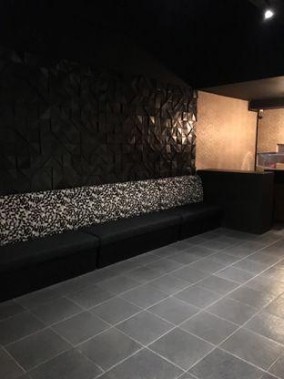Foto 9 - Interior di Shin The Korean Grill oleh Jeljel