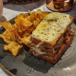 Foto 10 - Makanan di Lume Restaurant & Lounge oleh Adhy Musaad