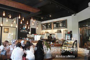 Foto 7 - Interior di Doppio Coffee oleh AndaraNila