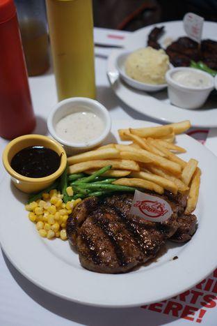 Foto - Makanan di Holycow! STEAKHOUSE by Chef Afit oleh Kevin Leonardi @makancengli