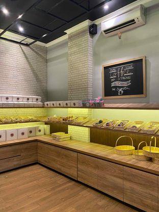 Foto review Y Bakery & Coffee oleh Jeljel  12