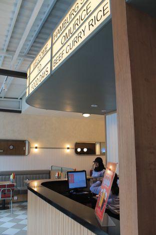 Foto 4 - Interior di Food Days oleh Prido ZH