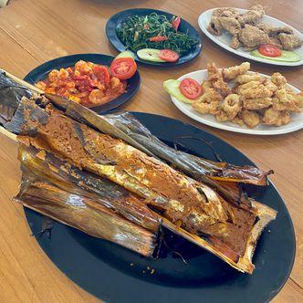 Foto Makanan di Ikan Bakar dalam Bambu Karimata
