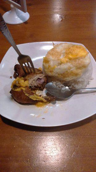 Foto 3 - Makanan(Nasi Ayam Siram Saos Telor Asin ) di Warunk UpNormal oleh Annti Nursanti