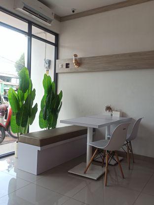Foto 5 - Interior di Kamaie Coffee & Eatery oleh Rachmat Kartono