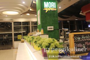 Foto 6 - Interior di Mori Express oleh Jakartarandomeats