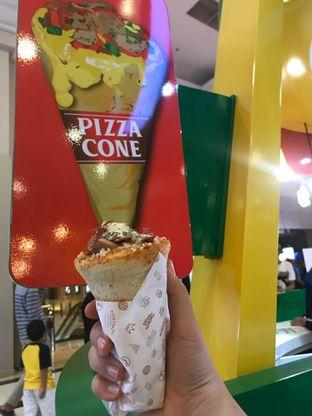 Foto 1 - Makanan di Crown Pizza Cone oleh @qluvfood