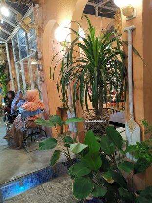 Foto 6 - Interior di Tropikal Coffee oleh Angela Debrina