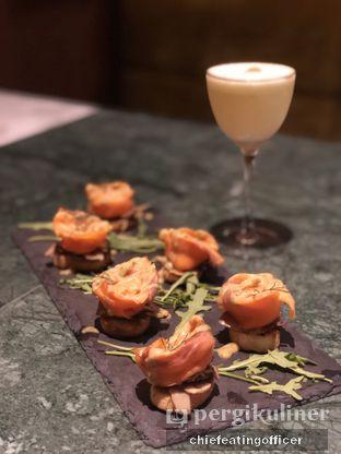 Foto 1 - Makanan(Yellow Fin Tataki) di Arrack & Spice oleh Cubi