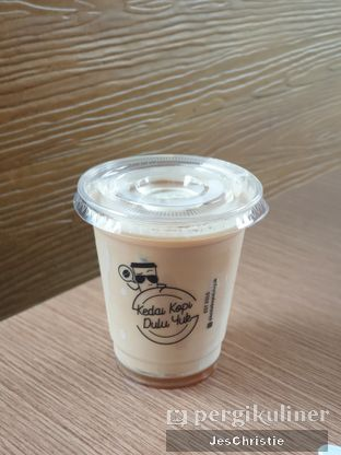 Foto 1 - Makanan(Hazelnut Latte) di Kedai Kopi Dulu Yuk oleh JC Wen