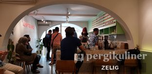 Foto 2 - Interior di Cliq Coffee & Kitchen oleh @teddyzelig