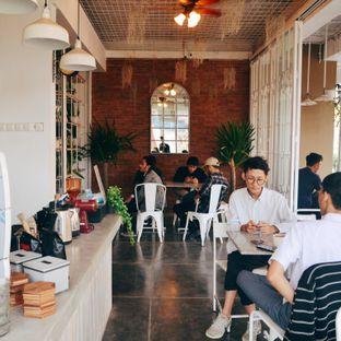 Foto 2 - Interior(Interior) di Armenti Coffee oleh Desanggi  Ritzky Aditya