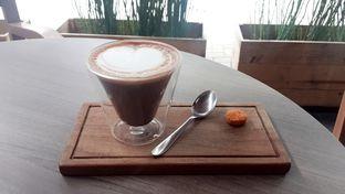 Foto 6 - Makanan(Hot Chocolate (IDR 30,000 - Nett)) di Lula Bakery & Coffee oleh Rinni Kania