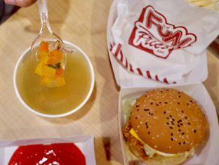 Foto 10 - Makanan di KFC oleh yudistira ishak abrar