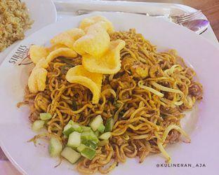 Foto 2 - Makanan(mie goreng kari) di Nasi Goreng Kambing oleh @kulineran_aja