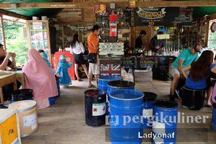 Foto 8 - Interior(interior di indoor) di Waroeng Kopi Modjok (Warkop Modjok) oleh Ladyonaf @placetogoandeat