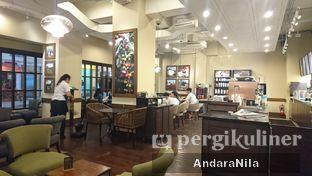 Foto 2 - Interior di Starbucks Coffee oleh AndaraNila