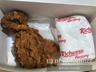 Foto 2 - Makanan di Richeese Factory oleh bataLKurus