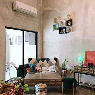 Foto 13 - Interior di Kona Koffie & Eatery oleh Della Ayu