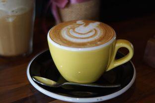 Foto 4 - Makanan(Cappuccino) di Hara - Kollektiv Hotel oleh Fadhlur Rohman