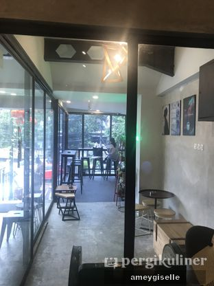 Foto 6 - Interior di Kona Koffie & Eatery oleh Hungry Mommy