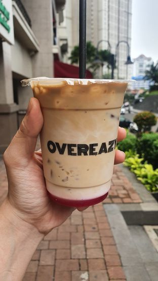 Foto review Overeazy oleh Naomi Suryabudhi 3